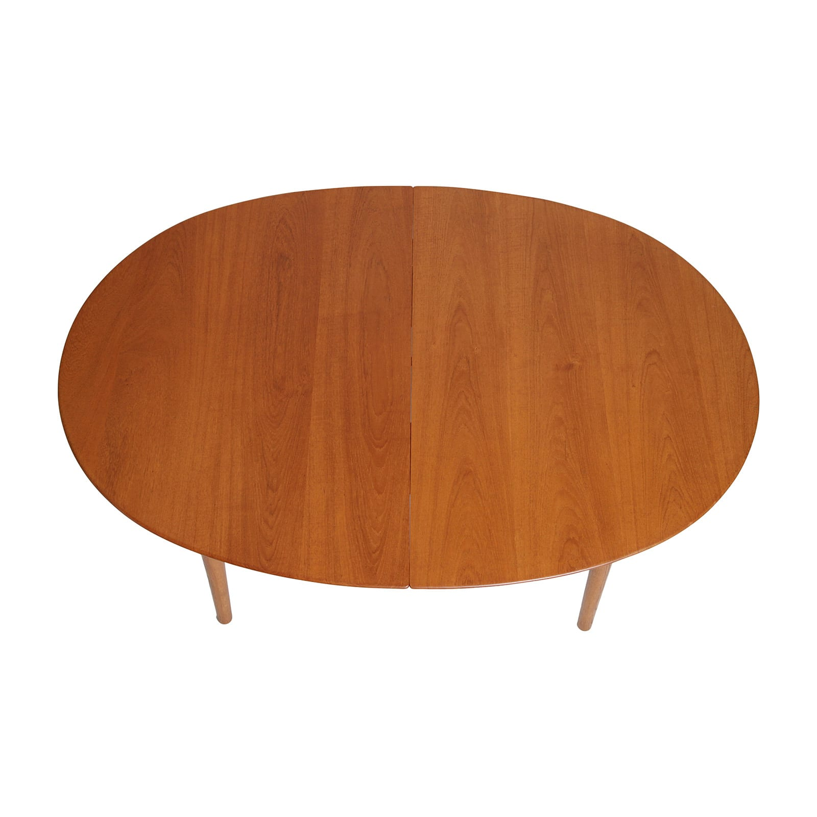 An extendable oval dining table