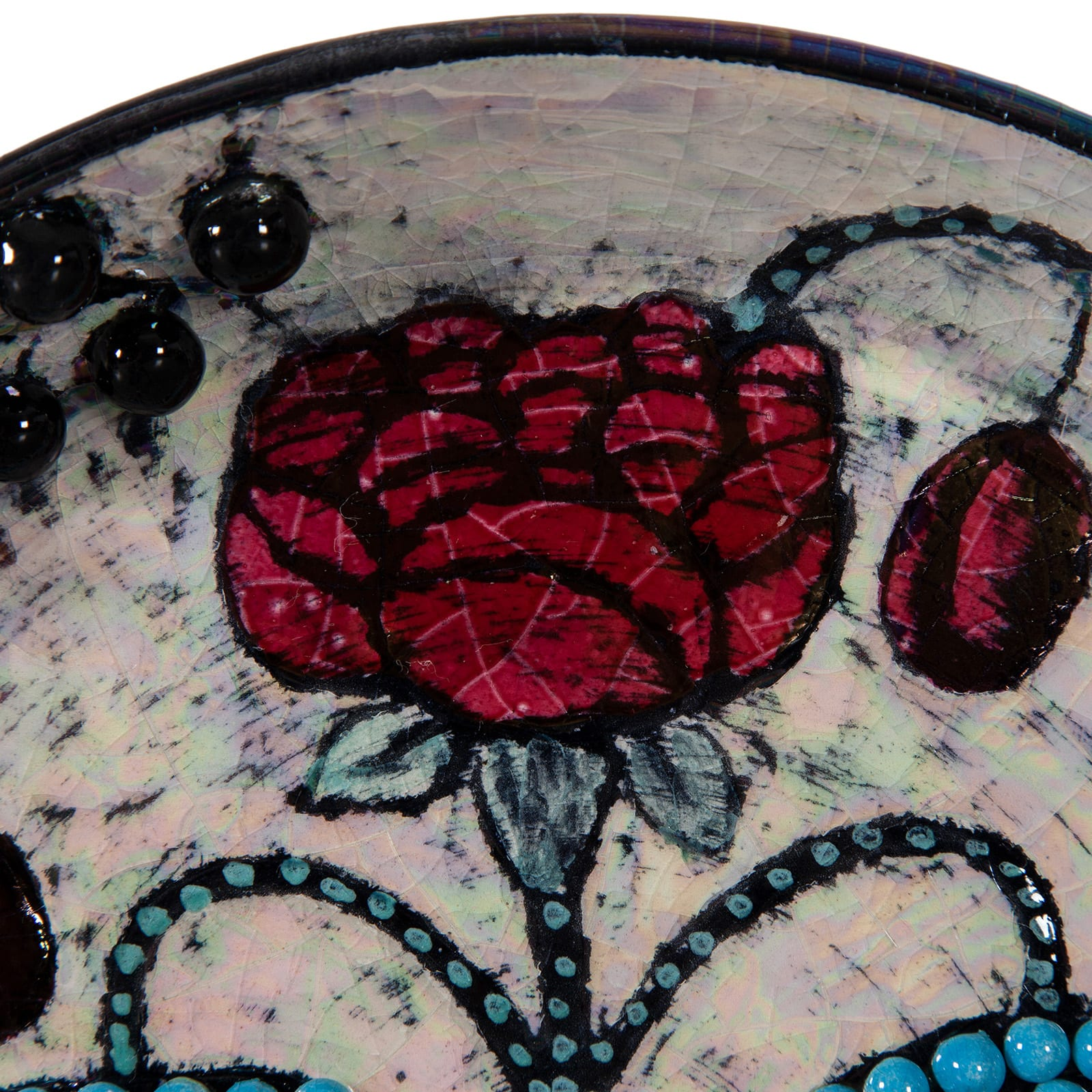 Small dish, decorated with a rose and pearls