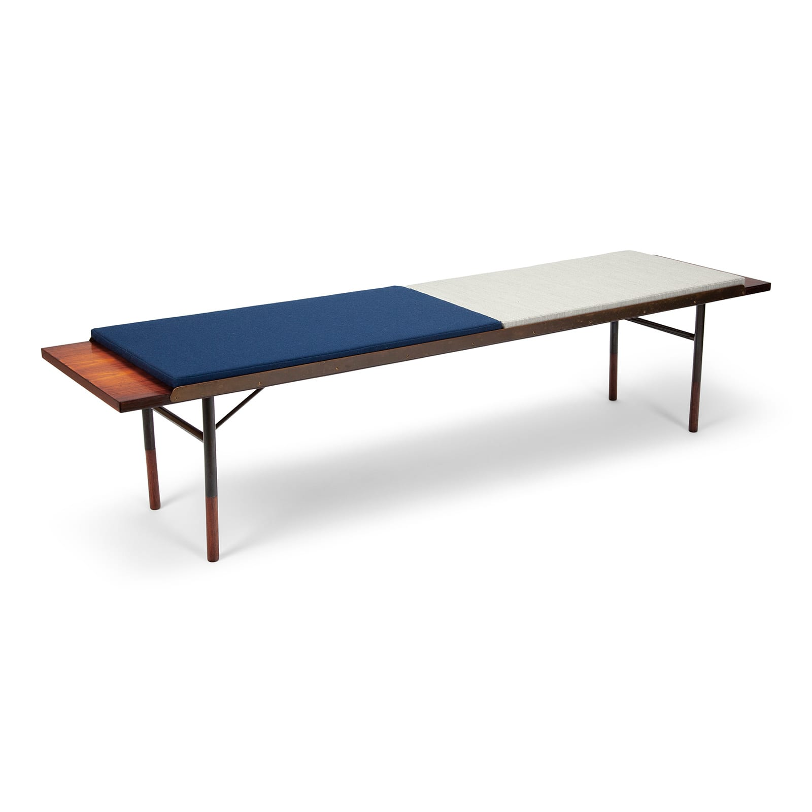 A table bench, model BO101